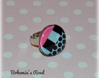 Pink and black geometric dots ring