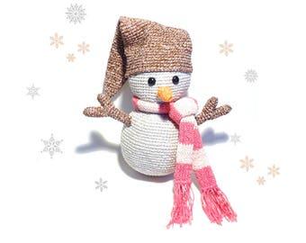 SNOWMAN Crochet Pattern, Pepper