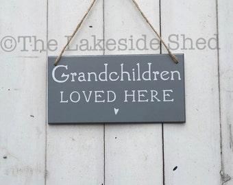 Grandchildren loved here Sign | Grandchildren Sign | Grandchildren Plaque | Grandparents Gift | Grandmother Gift |Grandad Gift |Gift for Mum