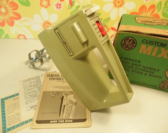 Vintage General Electric Hand Mixer -  Avocado Green - Model M24 3514