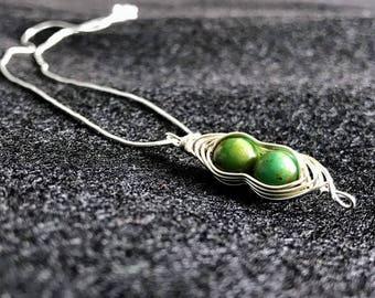 Green Pea Pod Herringbone Necklace
