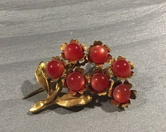 Vintage jelly belly style flower pin/brooch  Unmarked but good quality
