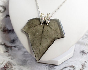 fairy jewelry terrarium necklace elegant black jewelry leaf pendant butterfly jewelry for wife gift unique necklace рю136