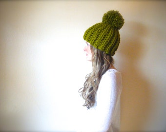 DIY Crochet Pattern: Tuckerman's Hat,  PDF & ViDeO LiNk, chunky pom pom hat,  super bulky yarn, arm crochet, Hookless Crochet