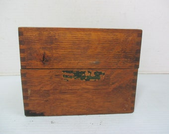 Vintage Imperial Methods Co. Chicago Illinois Dovetailed Finger Joint Oak Wooden Recipe Box