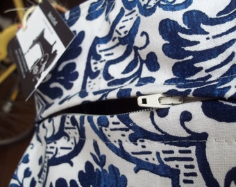 Custom listing for zippered top closure and interior pocket