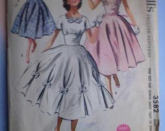Vintage 50s Full Skirt Party Dress Uncut Pattern 29 24 1/2 32 XS