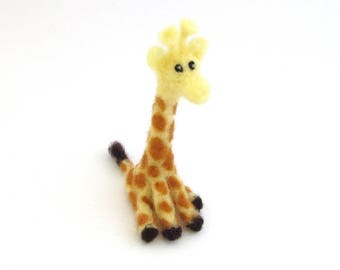 Needle felted Giraffe - felt animal - Cute wool felt giraffe