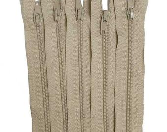 """10 x Beige 41cm 16"""" Nylon Zips"""