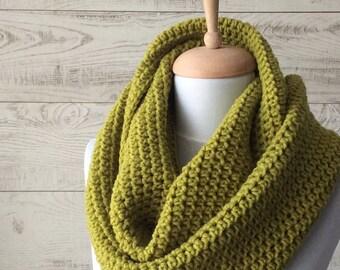 Chunky scarf,  knit scarf, wool knit scarf, neckwarmer, mens scarf, handknit scarf, chunky loop scarf, grey knit scarf