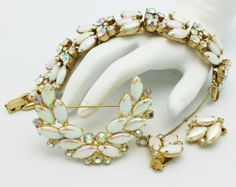 Juliana Pearlized Iridescent White Bracelet Brooch Earring Set