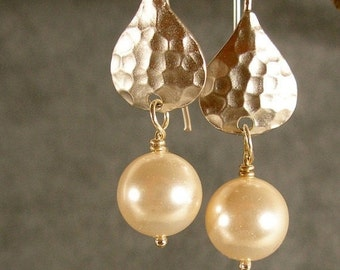 Pearl Hammered Silver Bridesmaid Earrings, Silver Earrings. Wedding Earrings, Bridal Earrings, Wedding Jewelry (866-1531)