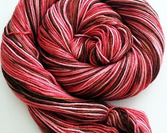 Handdyed Merino/Seide Strickgarn - Hot Chocolate Love Variation - braun, Rosé, rot - stilvoll