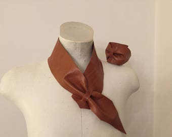 Tan leather jewellery set
