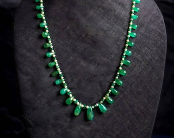 Drop Shaped Emerald beads and Pearl Necklace