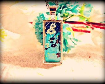 White Flowers on Blue Necklace (shipping included)