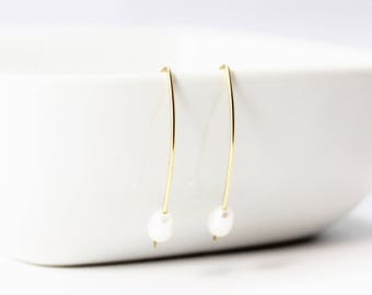 Freshwater Pearl 14k Gold Filled Earrings / Modern Simplicity / Pearl Earrings / Minimalist / Stacy Earrings / June Birthstone