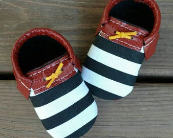 Baby loafers// Toddler loafers// Soft soled baby shoes// Faux leather baby shoes