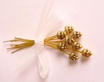 8 Antique Gold Fancy Head Pin