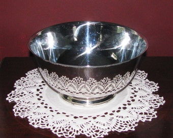 Oneida 8-inch Paul Revere style silver bowl