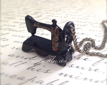 Vintage Style Black Sewing Machine Necklace. Teeny Miniature Metal Sewing Machine. Cute Whimsical Oddities. Gift. Crafter. Fashion. Creative