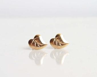 Teeny Tyny Gold Leaf Earrings. Leaf Stud Earrings. Simple Modern Jewelry by PetitBlue
