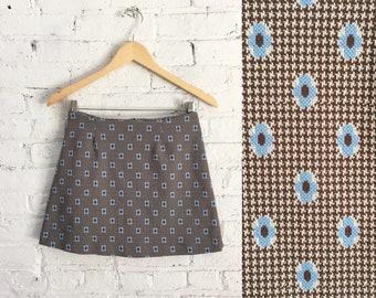 Vintage des années 90 mod mini jupe / jupe courte floral extensible / des années 1990 fait 60 s fleur pouvoir aller aller jupe