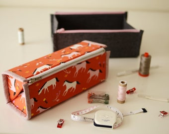 Zip-Up Tray Pouch - Paper Sewing Pattern by Aneela Hoey