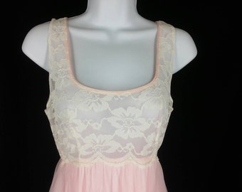 Vtg Intime pink and white lace chiffon peignoir negligee set size small bust 34