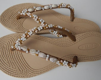 Embroidered flip flops-Women's flipflop-Beaded sandals-slippers-summer shoes-beach shoes-Bridal Beach Flip Flops
