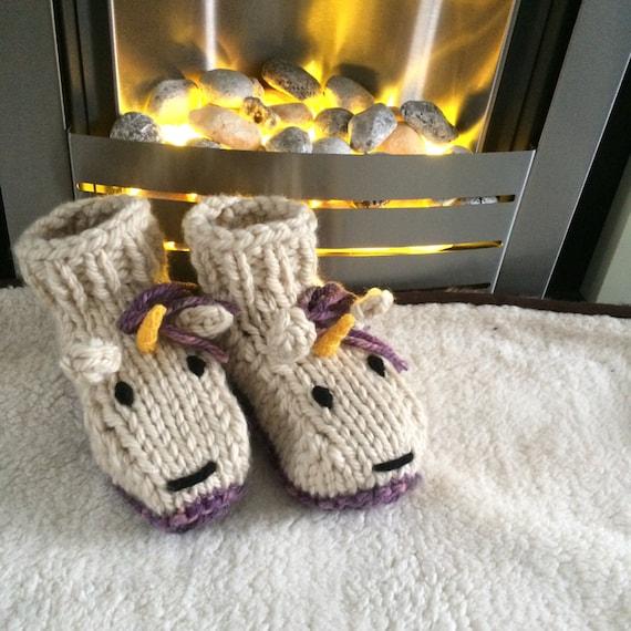 Zapatillas de unicornio tejer botas adultos animal patrón