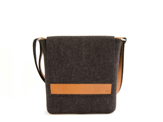 Black and tan mens small MESSENGER BAG / felt and leather messenger bag / mens satchel / messenger bag for men / mens bag / made in Italy