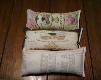 3 pc yummy cupcakes themed ornies decorative bowl fillers primitive shabby tucks