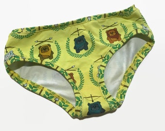 Girls Hipster Undies - Size 8