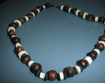 Wood and bones beads - Surfer Necklace - Summer jewelry - Beach Necklace - Unisex Jewelry - Ethnostyle - Brown, beige, black