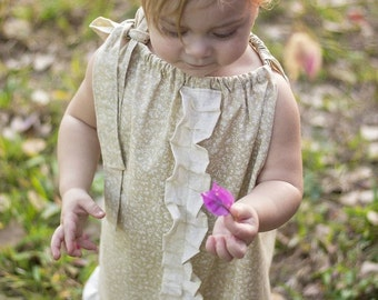 Boho flower girl dress - Bohemian flower girl dress - Summer wedding - beach wedding - girls dresses - pillowcase dress - flower girl dress
