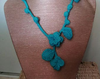 Necklace turquoise blue flowers, leaves and Bobbles