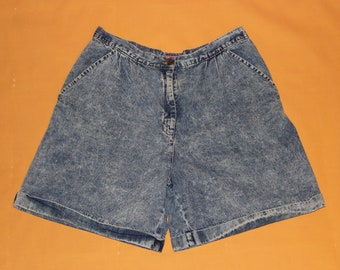 """Vintage 1980s / 1990s """"Wrappers"""" Acid Wash Denim Jean High Waisted Shorts High Rise Pants Women's Size 16 (35 inch waist)"""