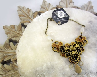 Honeycomb queenbee necklace, lasercut jewelry, statement necklace, lasercut honeycomb necklace, bib necklace, geometry jewelry, on the prowl