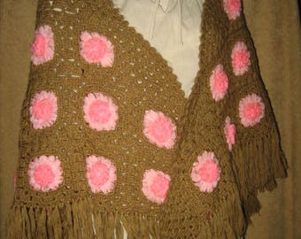 Shawl Hand Crochet with Rosettes 70s Vintage