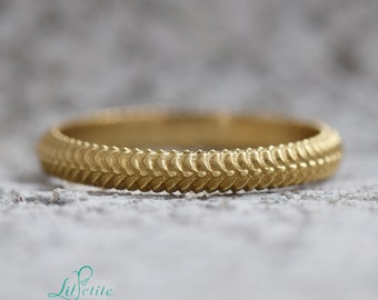 Snake wedding ring | Alternative snake textured wedding Ring | Unique unisex Wedding Band | Nature Inspired Gold Ring