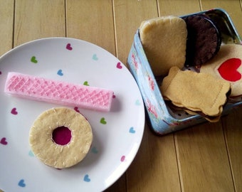 Felt play food - biscuits