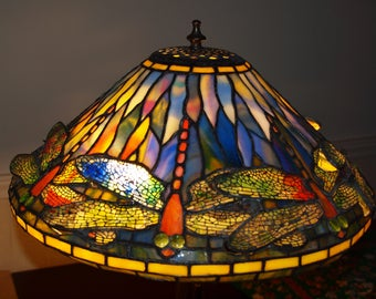 """Tiffany reproduction 16"""" Dragonfly stained glass lamp"""