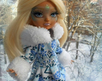 New Year's coats, fur coats for dolls, Monster High, Ever After High, clothes for dolls.