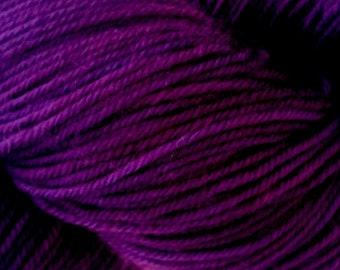 Ultraviolet Oxley Base 80 merino 20 nylon sock yarn 373m 100g