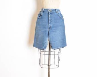 vintage 70s shorts, 70s lee shorts, 70s jean shorts, denim shorts, cutoff shorts, distressed denim, 70s clothing, high waisted shorts, M