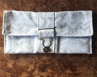 Aztec Arrow Green keeper Wallet with overall buckle