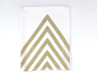Gold and White Arrow Kitchen Towel / Hand Printed Tea Towel / Arrow Dish Towel / Modern Dish Towel / Metallic Gold / Gold Foil Towel
