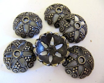 20mm Bead Caps in Antiqued Bronze Tone with a Filigree Star Flower Design , 6 Pieces