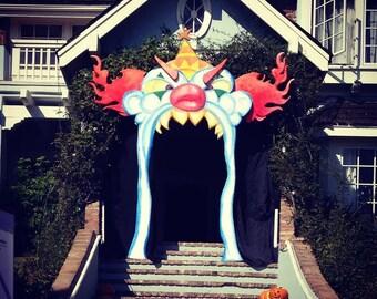 Fun house clown door